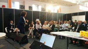 Lucía R. Alonso, sesión formación comercio internacional con Funtraders